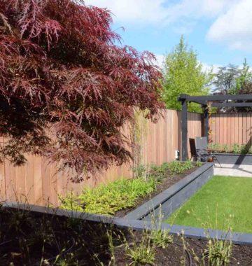 Tuinrenovatie van schutting tot perogla